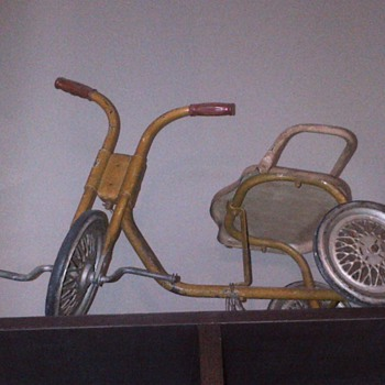 Childhood tricycle - Sporting Goods