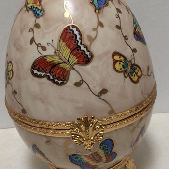 Large Limoge France Gand Painted Butterfly Box - Animals