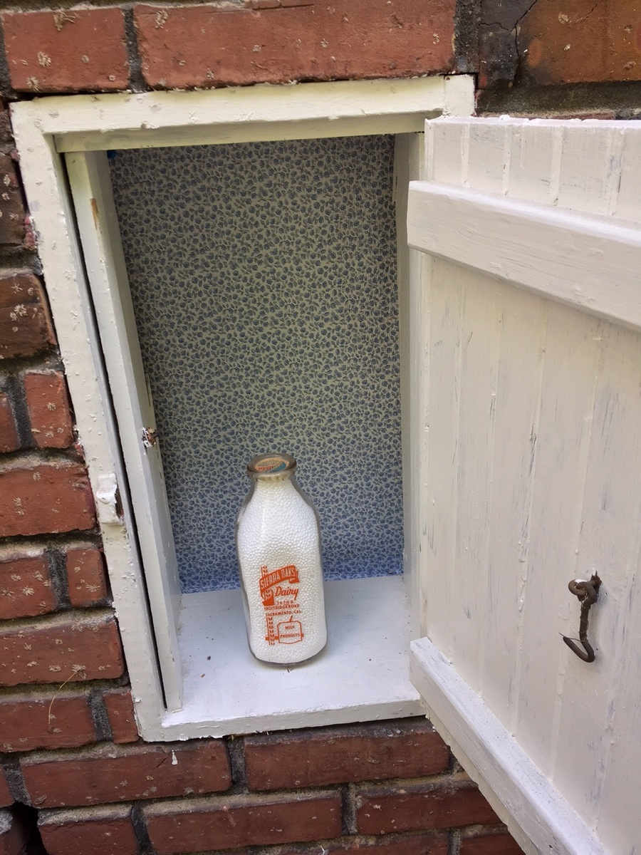 Milk Bottle Home Delivery Door Collectors Weekly