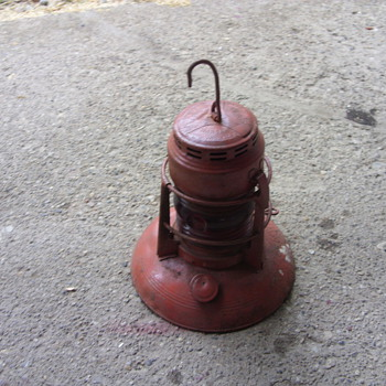traffic gard oil lantern with red glass