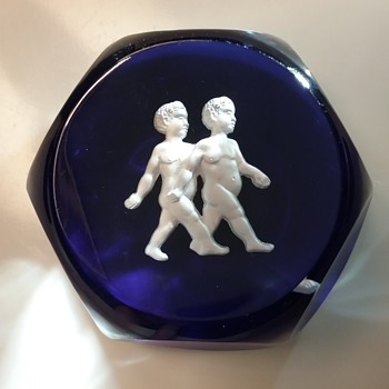 Baccarat Gemini crystal paperweight  - Art Glass