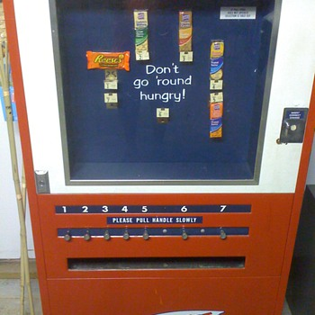 Lance Vending Machine - Coin Operated