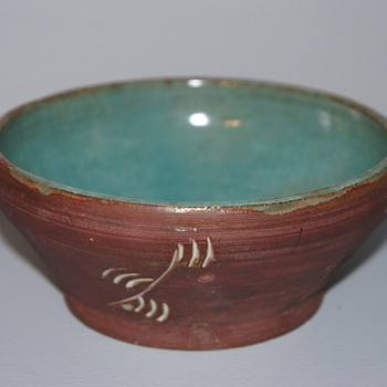 Mystery American or Canadian Bowl - Pottery