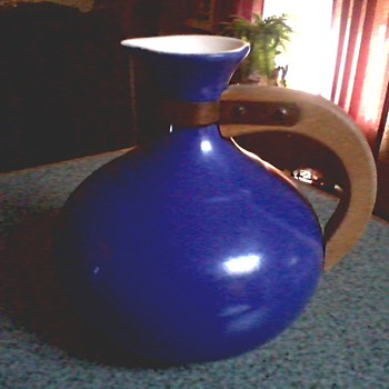 """Redwing"" Pottery ""565"" Coffee Server /Teak or Walnut Handle Cobalt Blue ""Gypsy Trail"" Design/ Circa 1950's - Pottery"