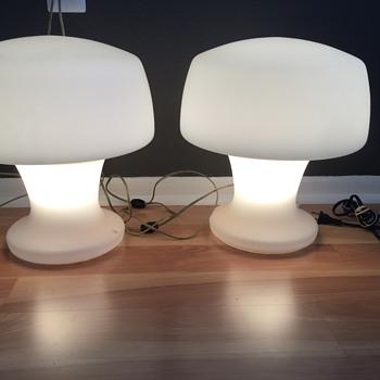 Date the laurel lamps? - Lamps