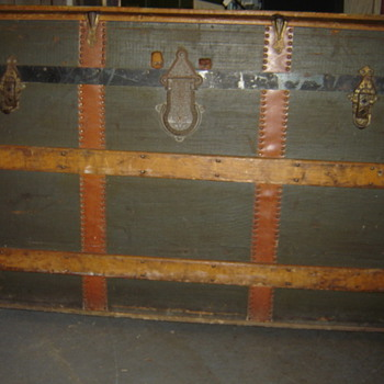 Late 1800's Round Top Trunk? - Furniture
