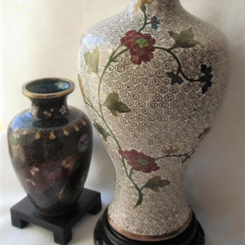 Differences between Chinese and Japanese standard cloisonne objects, early 20th century. - Asian
