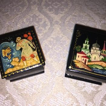 Mini Russian lacquer boxes - Furniture