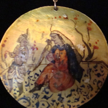 Handpainted Mother of Pearl pendant - Fine Jewelry