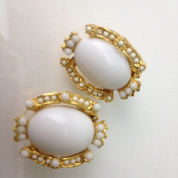 Vintage mill glass clip on earrings - Costume Jewelry