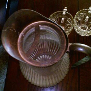 Water Pitcher????? Help me Identify - Glassware