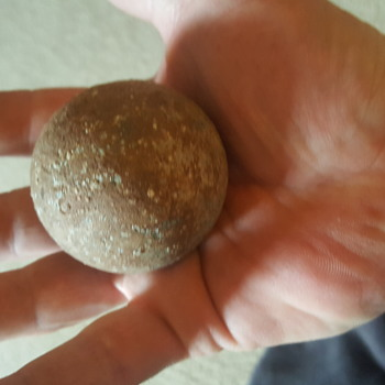 Civil war cannon ball - Military and Wartime