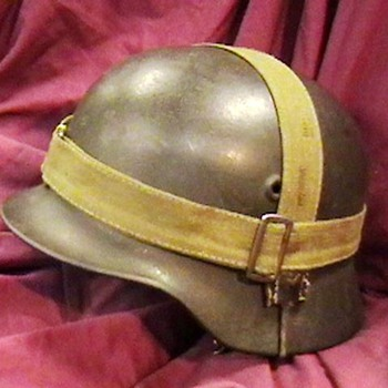 WW II German M-40 Helmet