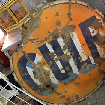 beautiful rusty gulf sign - Petroliana
