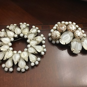 Two gorgeous brooches - Costume Jewelry