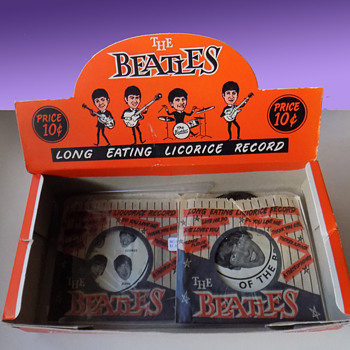 "The BEATLES LICORICE CANDY RECORDS Store Display Box w 2 ""Records"". 1964  - Music Memorabilia"