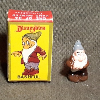 Marx Disneykins Snow White and the Seven Dwarves Bashful With Box 1961 - Advertising