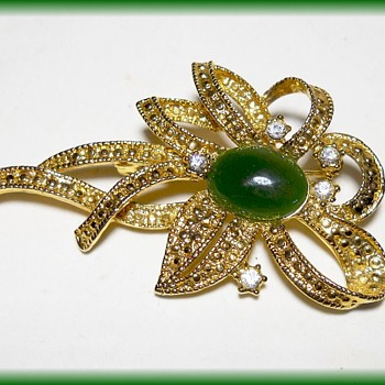Costume Jewelry Brooch - Interesting mark on back  - Costume Jewelry
