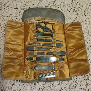 Old Manicure Kit - Accessories
