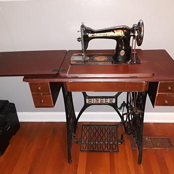 retro-repro SINGER sewing machine? - Sewing