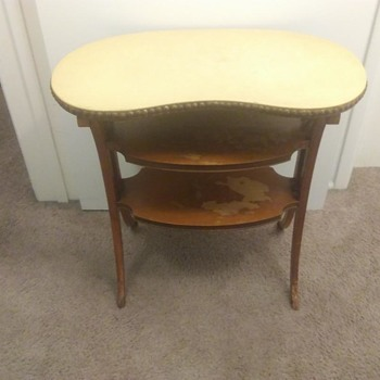 Angeles Furniture - Kidney Shaped Side or Hall Table - Furniture