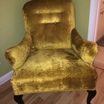 Vintage Gold Velvet Chair - not sure of origin - Furniture