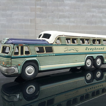 Greyhound Bus Lines  GM Scenicruiser Tin Bus   - Model Cars