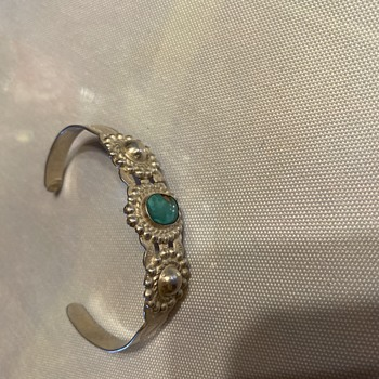 Vintage Indian bracelet says silver product coin silver was wondering if anybody knew anything about it? - Fine Jewelry