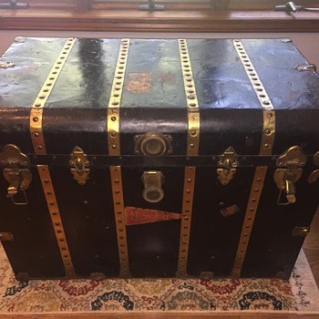 Abrams Trunk Co. Chicago - Furniture