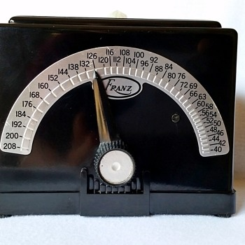 Franz Electric Metronome, Bakelite Art Deco Casing - Music Memorabilia