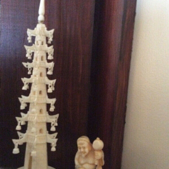 Miniature ivory pagoda and old netsuke - Asian