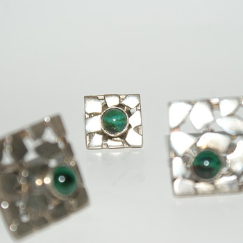 Vintage Sterling Cufflinks with Malachite Cabochon - Fine Jewelry