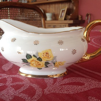Shelley sauce boat - China and Dinnerware