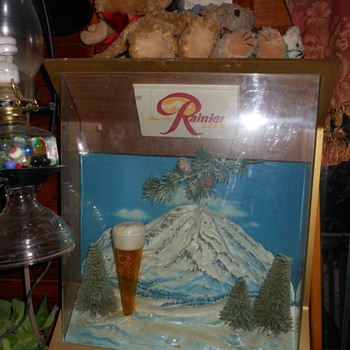 Rainer Beer lighted sign and wall plaque sign - Breweriana