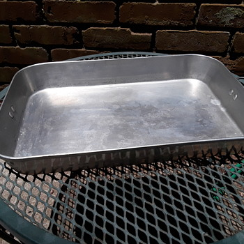 old TOROWARE aluminum baking pan - Kitchen