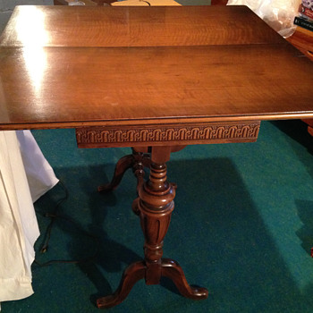 Fold over wooden card table 1920s - Furniture