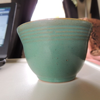 IS this early test piece or copy cat of Fiesta ware - Kitchen
