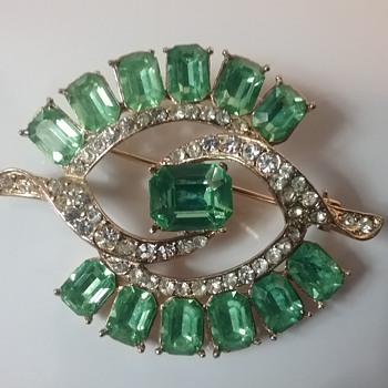 Wiesner brooch  - Costume Jewelry