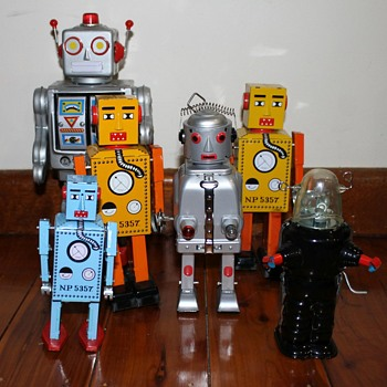 The Robot Family - Toys