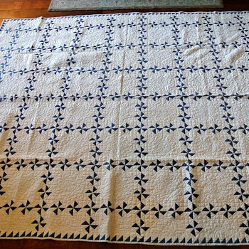 Early American Quilt - Rugs and Textiles