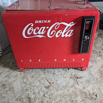 can anyone give me information on this cooler - Coca-Cola