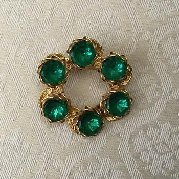 Green glass brooch - Costume Jewelry