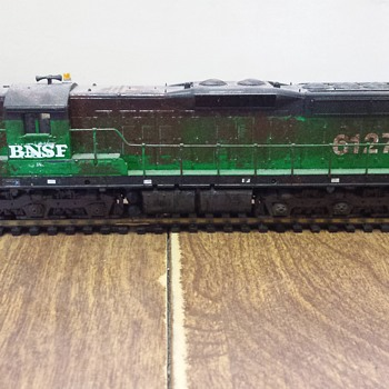 BNSF SD9 - Model Trains