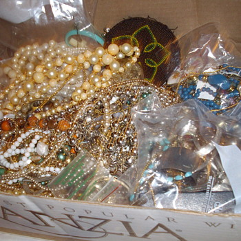 More weekend finds. - Costume Jewelry