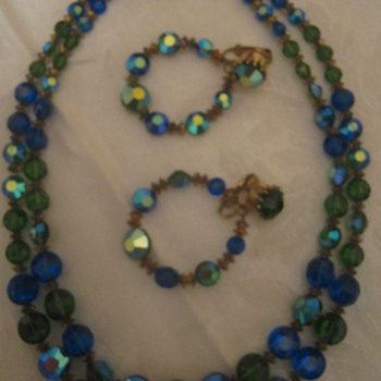 Vintage Hobe Necklace/Earrings - Costume Jewelry