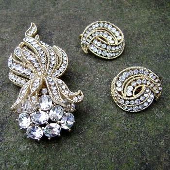 Trifari Cavalcade Brooch Set - Costume Jewelry