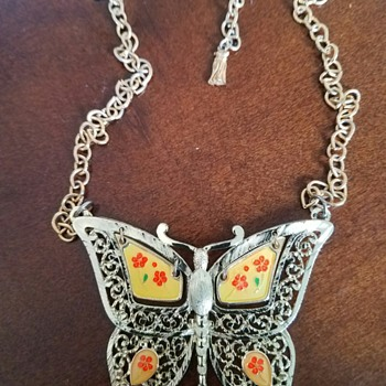 Very Large Nice Butterfly pendant Necklace - Costume Jewelry
