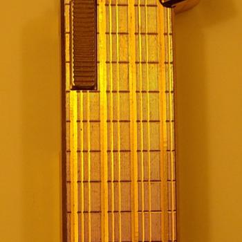 Colibri Gold Lighter - Tobacciana