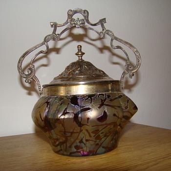 Kralik bacillus sugar bowl - Art Glass