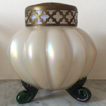 Kralik claw-footed mother of pearl glass urn - Art Glass